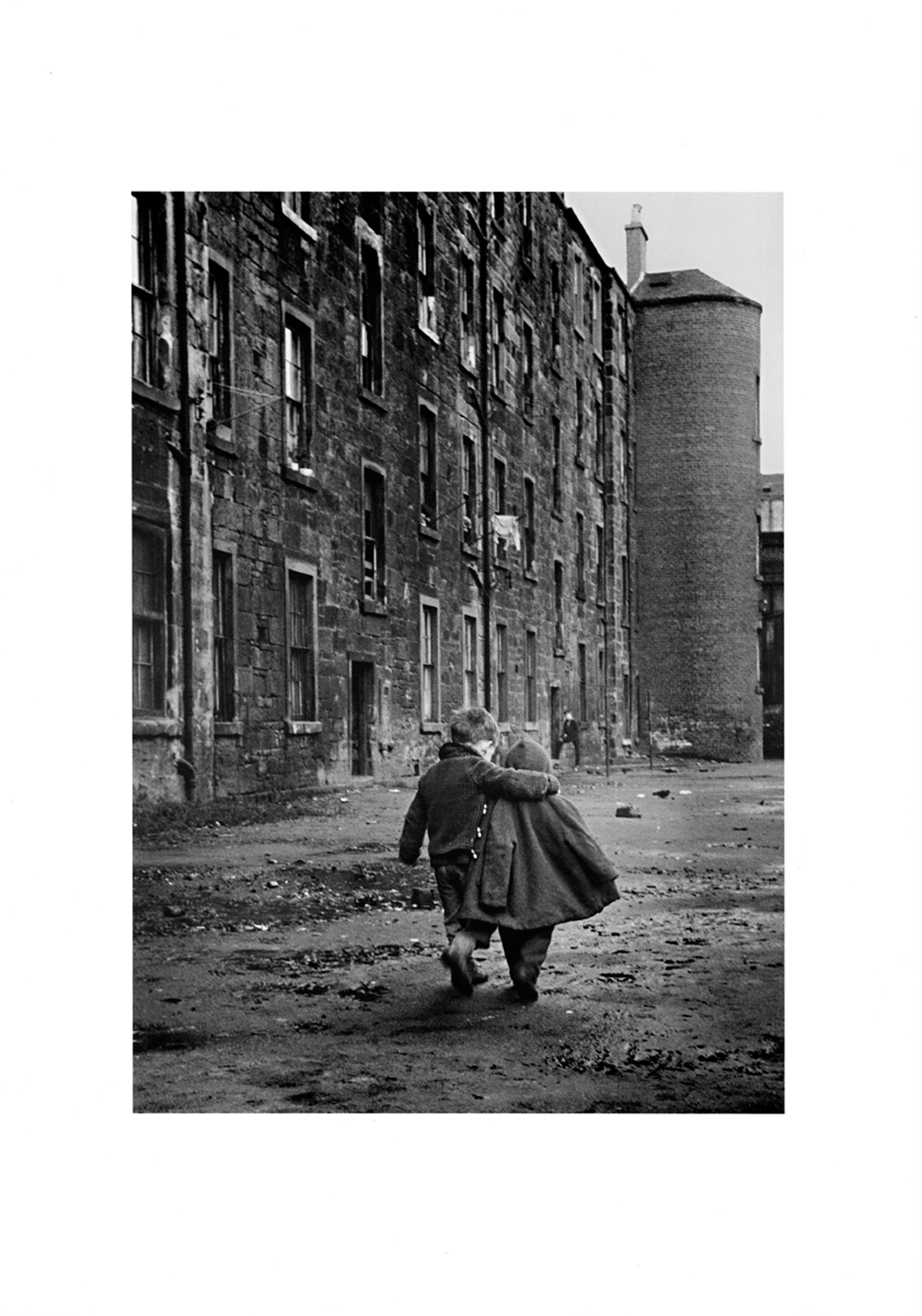 Image of Comforting Arm, Glasgow 1968 / Published by Renaissance Press by David Peat