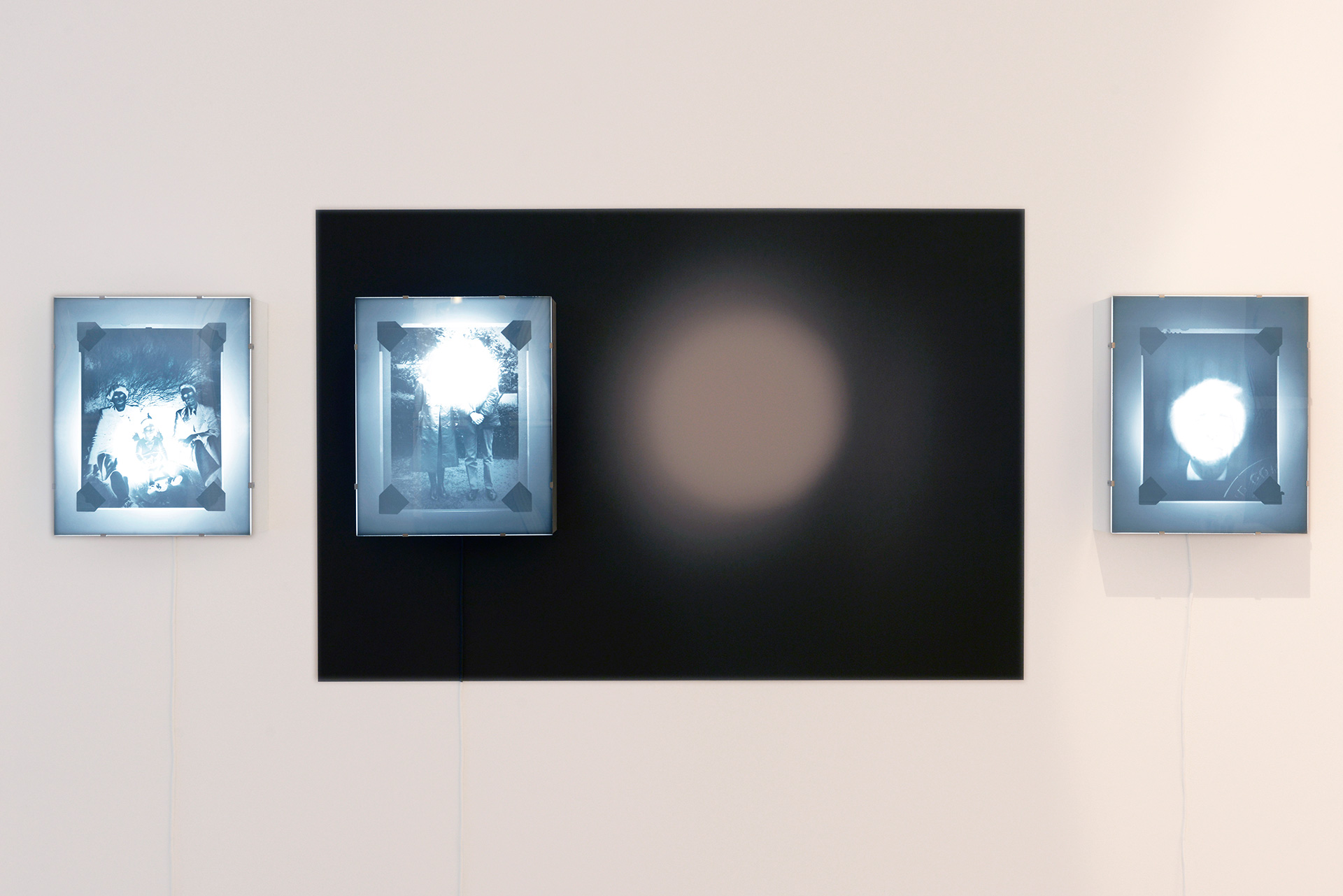 Alan Knox, Installation view