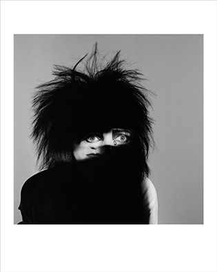 Image of Siouxsie (Dazzle, 1984) by Brian Griffin