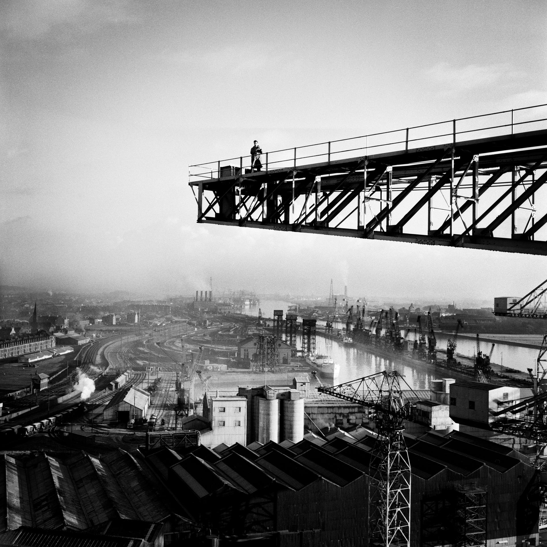 Image of Clyde Ship-Building (1966) by Oscar Marzaroli