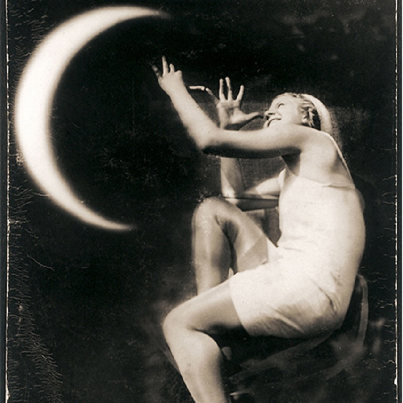 Image of Nosis M'Nuliui 1/ Challenging the Moon  by Domicele Tarabildiene