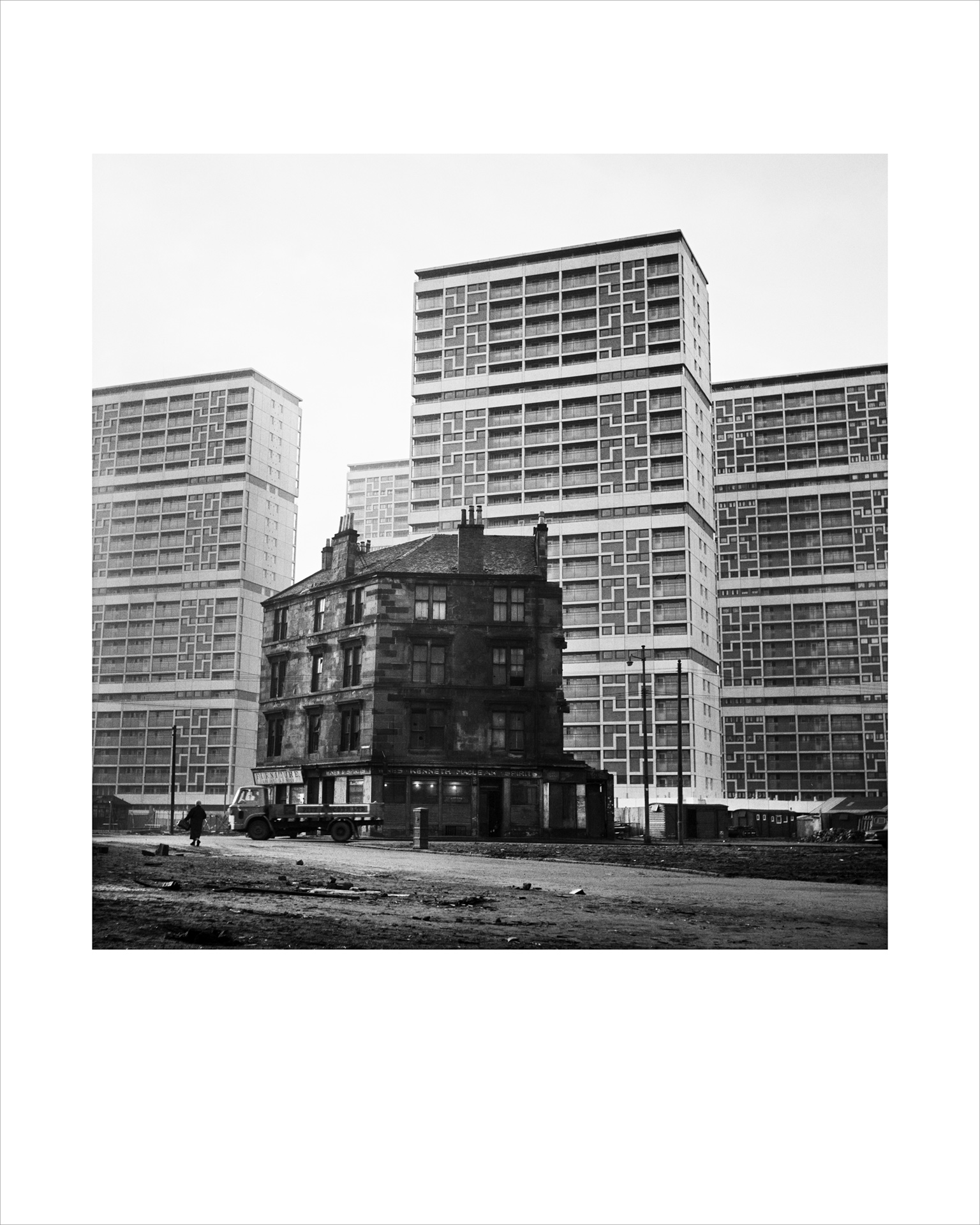 Image of The Old and the New, Gorbals (1968) by Oscar Marzaroli